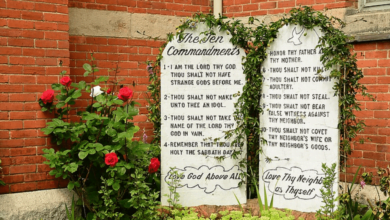 Two stone plates with the 10 Commandments of the Bible and the law of God