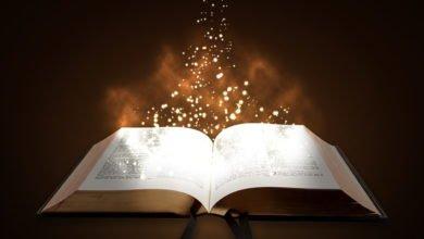Eine Bibel, die zeigt, dass Jesus nicht gekommen ist, um das Gesetz aufzulösen, sondern zu erfüllen